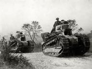 Asisbiz French Army Renault FT 17s with British troops during the Battle of France 1940 ebay 01