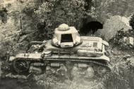 Asisbiz French Army Renault R35 support tank abandoned battle of France 1940 ebay 04
