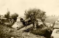 Asisbiz French Army Somua S35 abandoned along a roadside near Dunkirk France June 1940 ebay 01