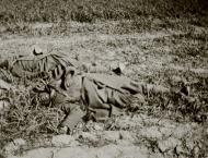 Asisbiz French soldiers most likely executed after surrendering battle of France May Jun 1940 ebay 01