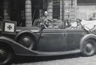 Asisbiz Grand Hotel France luxury convertible car Horch division badge during the occupation of France 1940 ebay 01