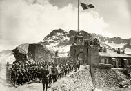 Asisbiz Italian alphine soldiers begin to mobilize June 1940 ebay 01