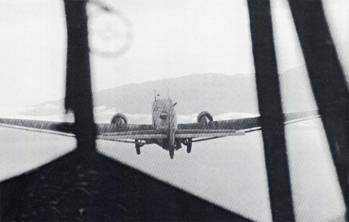 Unternehmen Merkur Junkers Ju 52 3mg4e towing DFS 230 during the invasion of Crete 1941 02