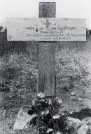 Aircrew Luftwaffe JG77 pilot Otto Unertl grave 01