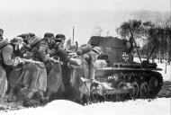 Asisbiz German Infranty along with a Panzer PzKpfw I light tank advancing towards the front lines 02