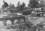Asisbiz German Panzer tanks refueling during their advance into Soviet Russia 6th Oct 1941 NIOD