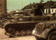 German Pazerkampfwagen PzKpfw IV Tank coded 421 Russia 01