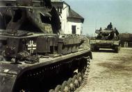 German Pazerkampfwagen PzKpfw IV Tank coded 421 Russia 02