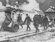 Asisbiz German Waffen SS advancing into Soviet Russia 3rd Oct 1941 NIOD