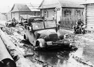 Asisbiz German rear guard advancing into Soviet Russia 16th Jul 1941 NIOD