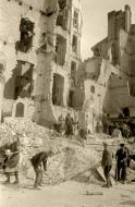 Asisbiz Russian archives photos showing the carnage of war as civilians adjust to the devastation 01