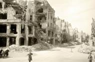 Asisbiz Russian archives photos showing the carnage of war as civilians adjust to the devastation 09