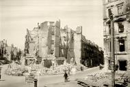 Asisbiz Russian archives photos showing the carnage of war as civilians adjust to the devastation 10