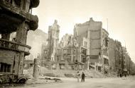 Asisbiz Russian archives photos showing the carnage of war as civilians adjust to the devastation 13
