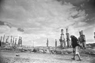 Asisbiz Russian archives photos showing the carnage of war as civilians adjust to the devastation 19