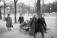 Asisbiz Russian archives photos showing the carnage of war as civilians adjust to the devastation 22