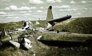 Soviet AF SB 2bis bomber force landed wreck lies abandoned in a field Barbarossa 1941