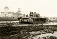 Asisbiz Soviet KV 1 heavy tank lies abandoned after a battle with German forces 01