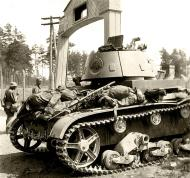 Asisbiz Soviet T 26 tank detroyed after a battle with German forces shows the carnage of war 02