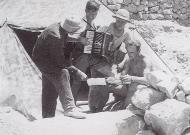 Asisbiz Luftwaffe ground personnel taking a break North Africa 01