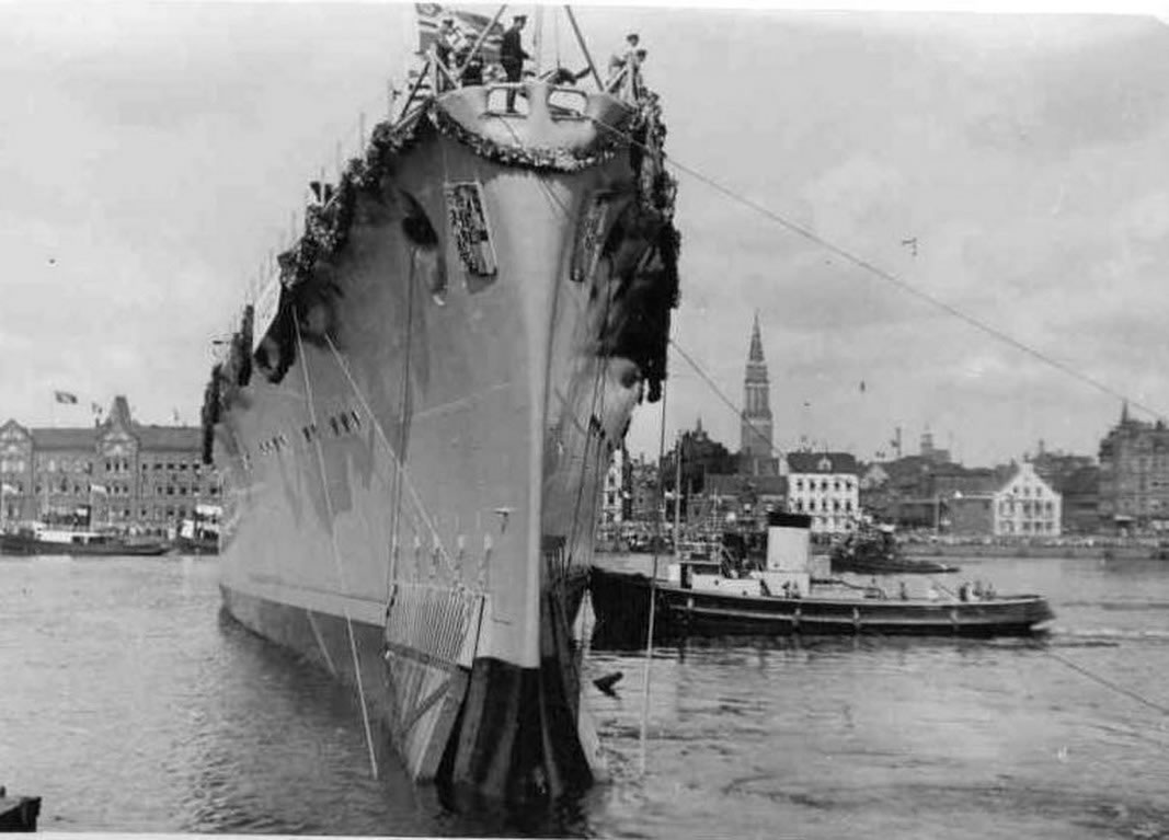 Kriegsmarine Cruiser KMS Prinz Eugen 01