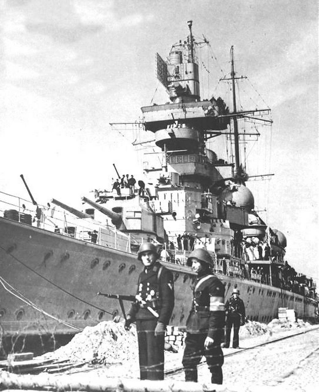 Kriegsmarine Cruiser KMS Prinz Eugen 14