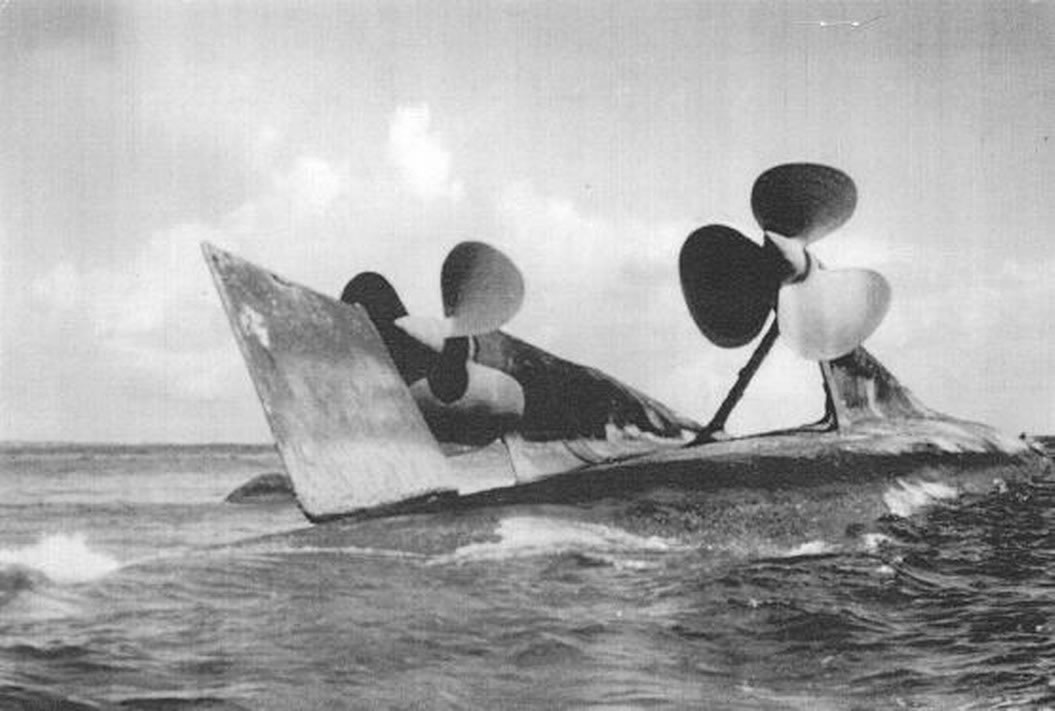 Kriegsmarine Cruiser KMS Prinz Eugen 23