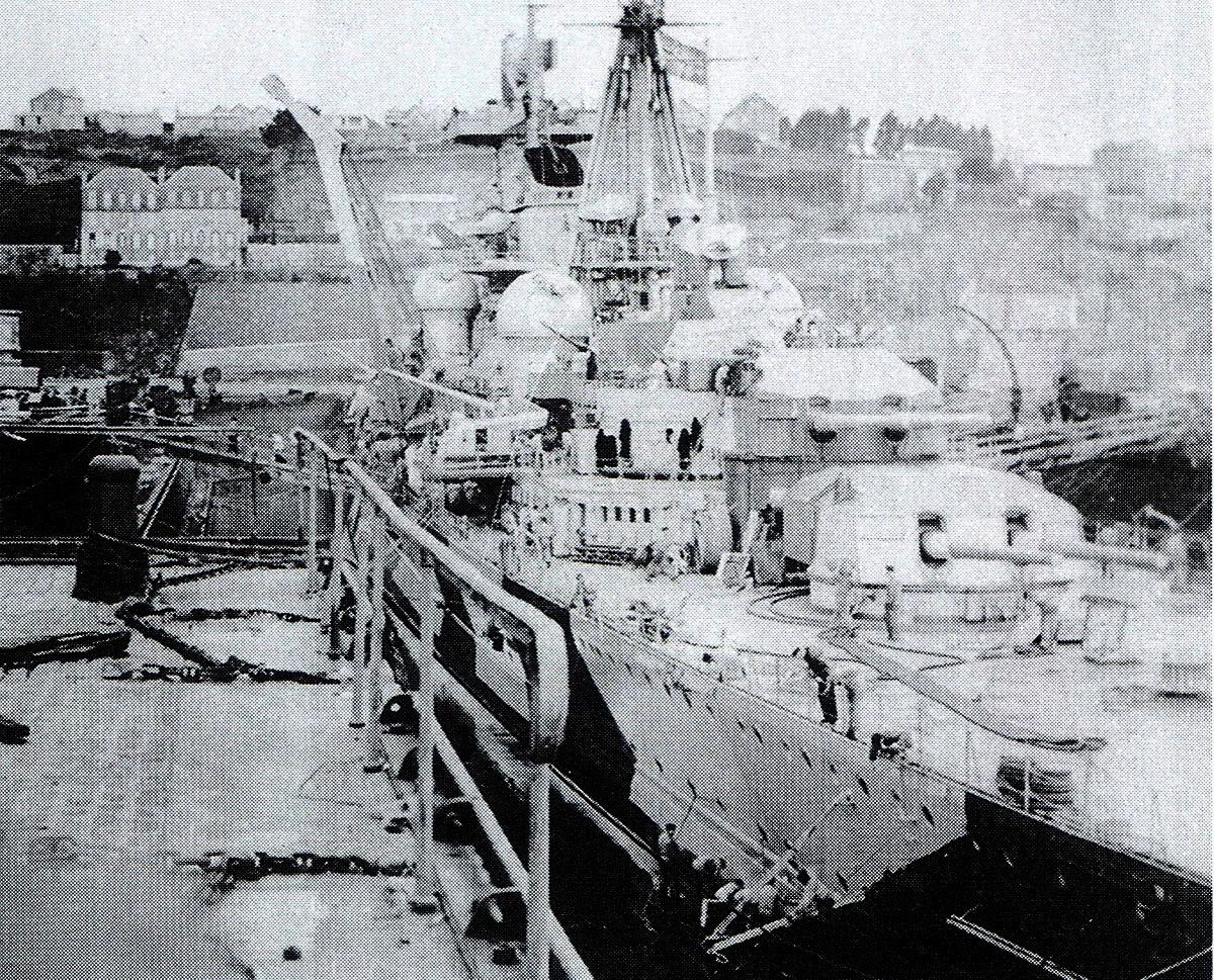 Kriegsmarine Cruiser KMS Prinz Eugen in Brest France 1941 01
