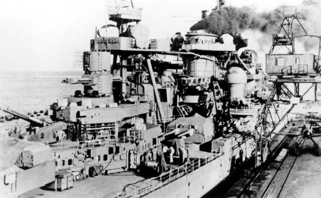 Kriegsmarine Scharnhorst class battlecruisers battleship KMS Scharnhorst at Gotenhafen 02