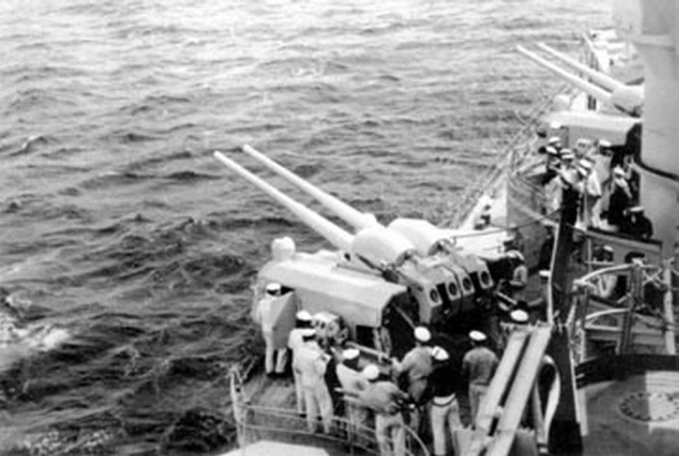 Kriegsmarine Scharnhorst class battlecruisers battleship KMS Scharnhorst during Sea trials 03