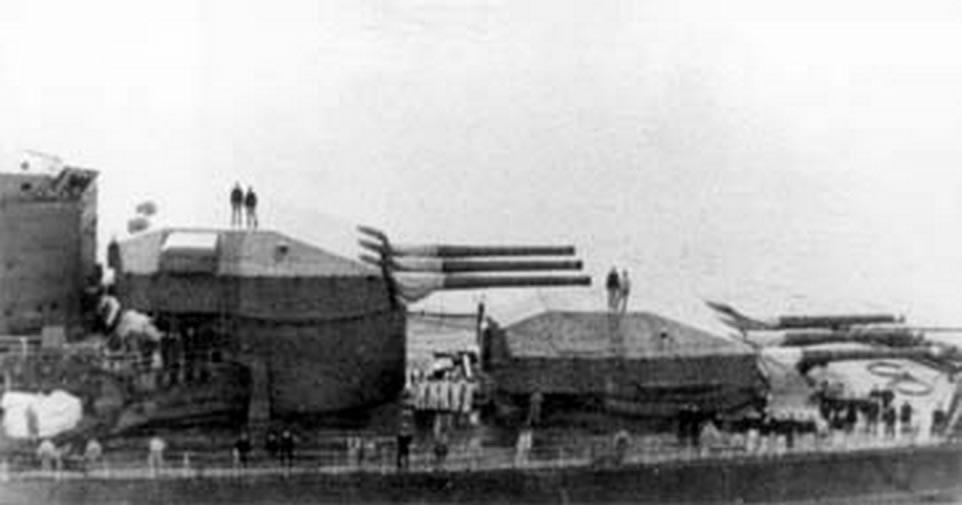 Kriegsmarine Scharnhorst class battlecruisers battleship KMS Scharnhorst during her final year 08