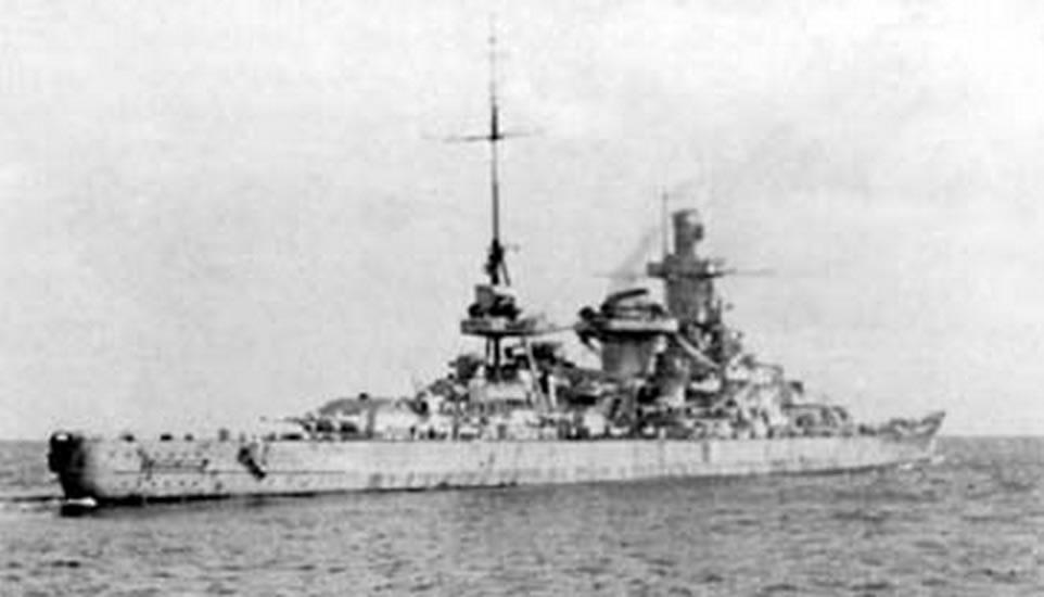 Kriegsmarine Scharnhorst class battlecruisers battleship KMS Scharnhorst during operation Berlin 05