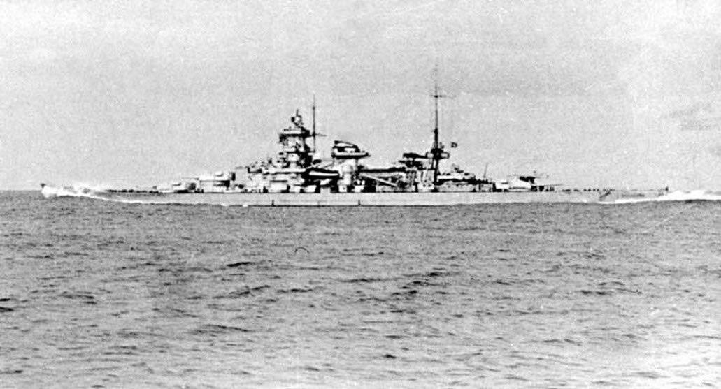 Kriegsmarine Scharnhorst class battlecruisers battleship KMS Scharnhorst northern patrol attack 01