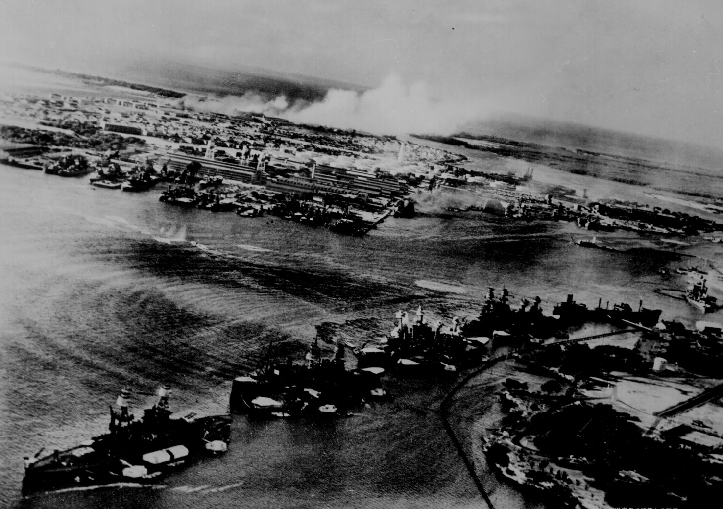 Archive USN photos showing the devastation caused by IJN attack on Perl Harbor Hawaii 7th Dec 1941 01