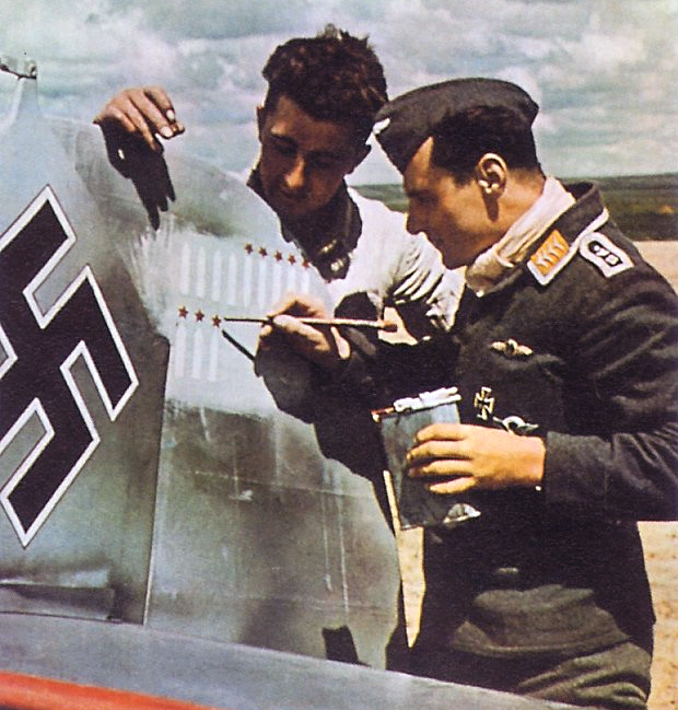 Bf 109 adding kills to the tail