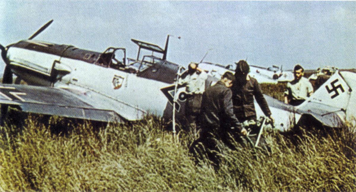 Bf 109E I.JG20 (o+ Hofe WNr1490 France 1940
