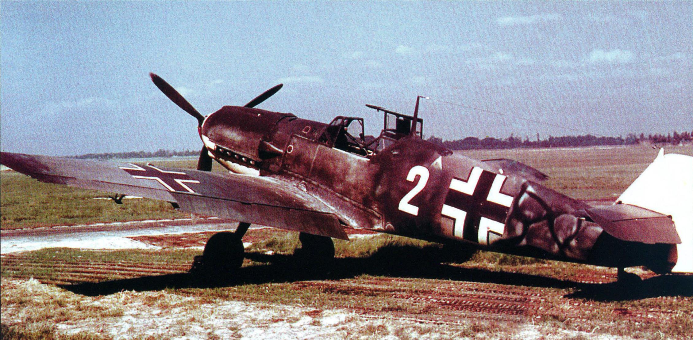 Bf 109E White 2 of unknown unit Gratz Apr 1941