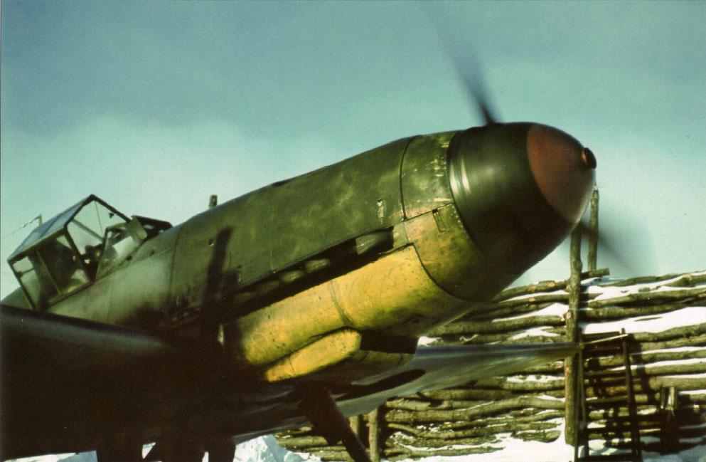 Bf 109F RHAF 101.5 (V +08) Hungary 1942 01