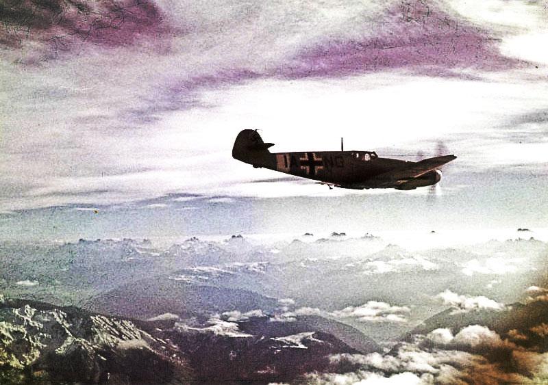Bf 109F4 Stammkennzeichen code (IA+NG) 1942