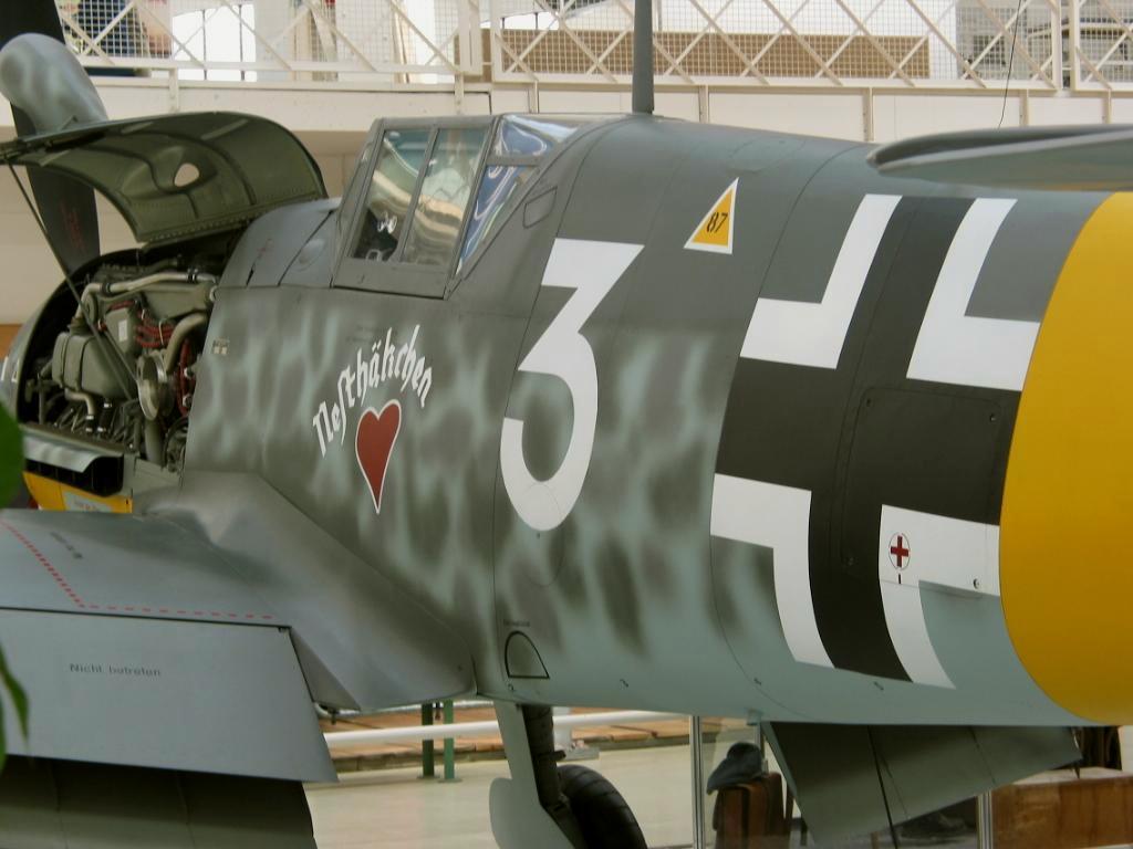 Bf 109G4 4.JG52 (W3+) Coester Anapa 1943 08