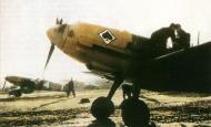 Asisbiz Bf 109E 7.JG53 (W4+I) France 1940 01