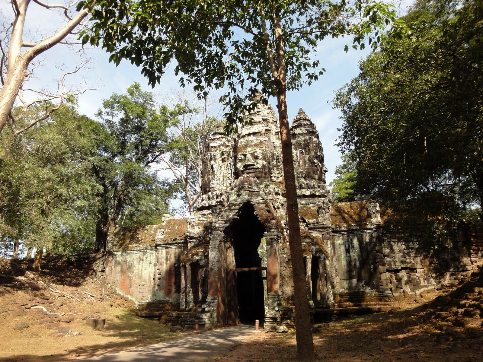Angkor Wat style architecture North Gate Jan 2010 03