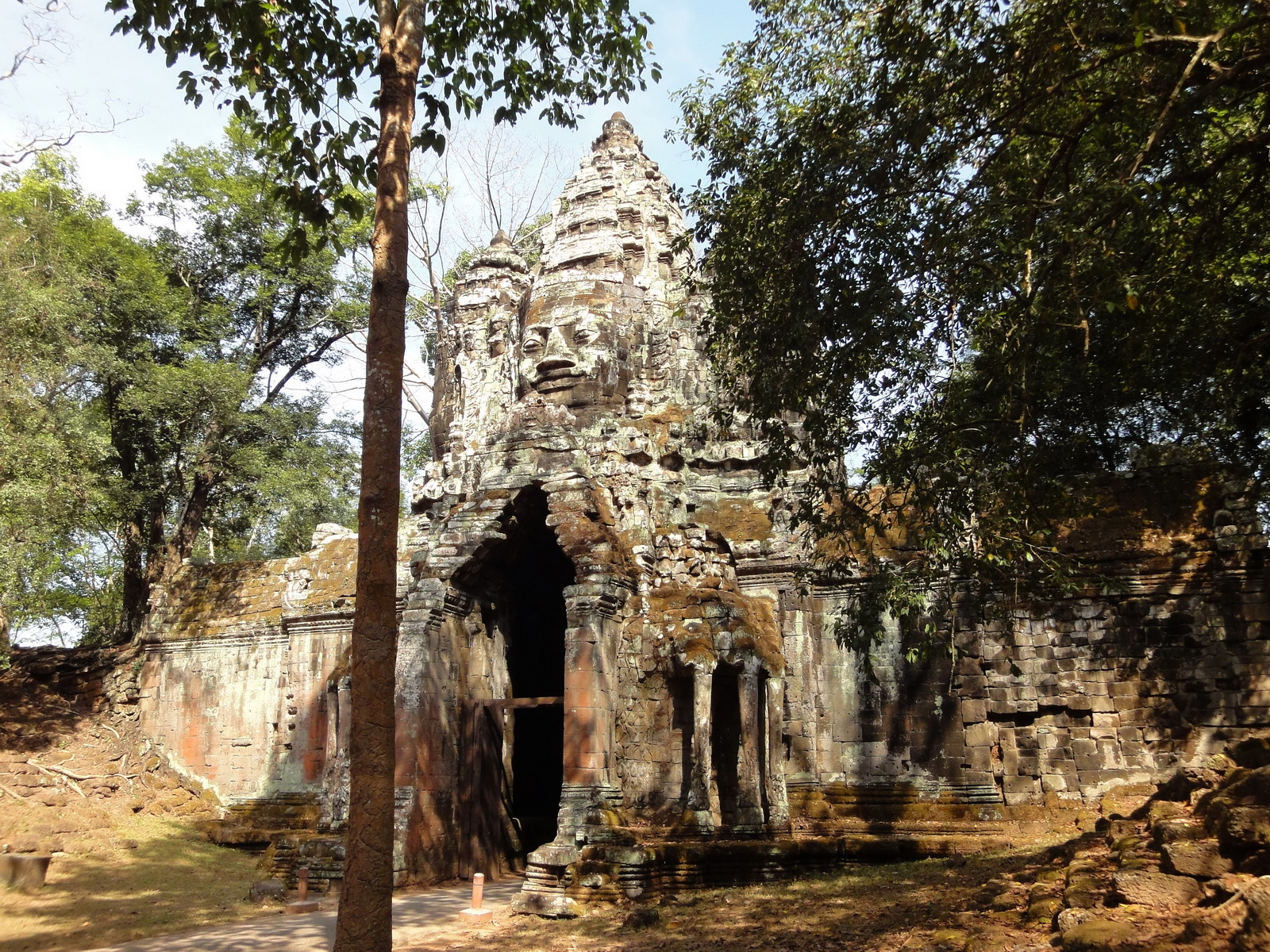 Angkor Wat style architecture North Gate Jan 2010 05