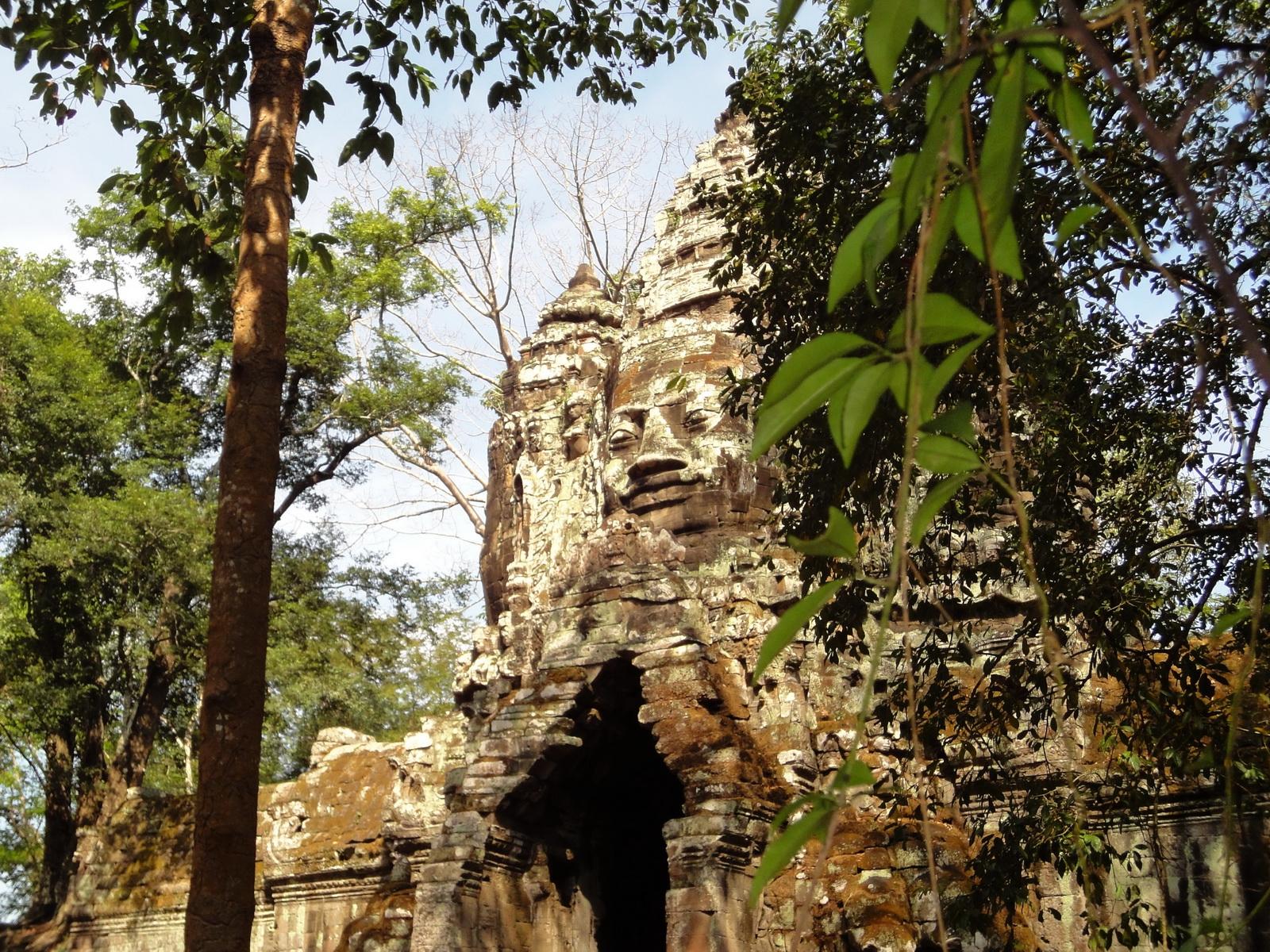Angkor Wat style architecture North Gate Jan 2010 07