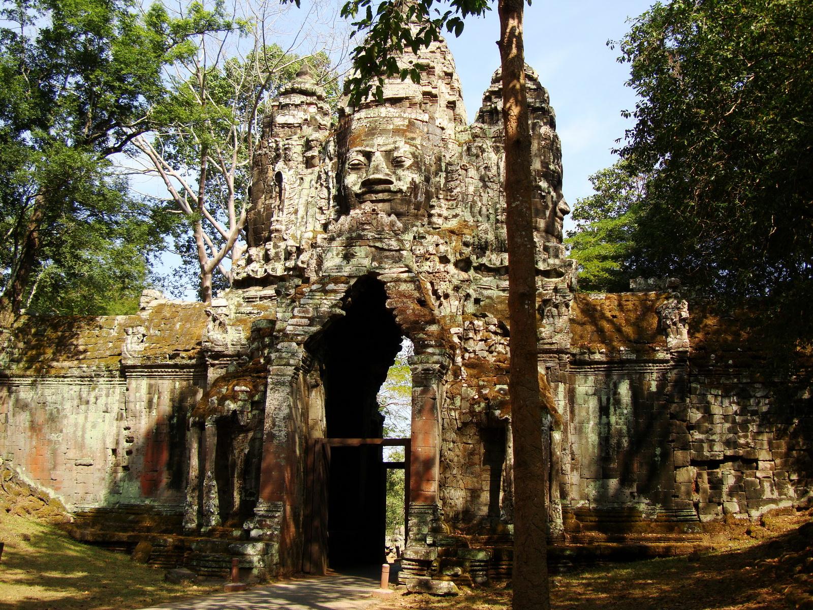 Angkor Wat style architecture North Gate Jan 2010 10