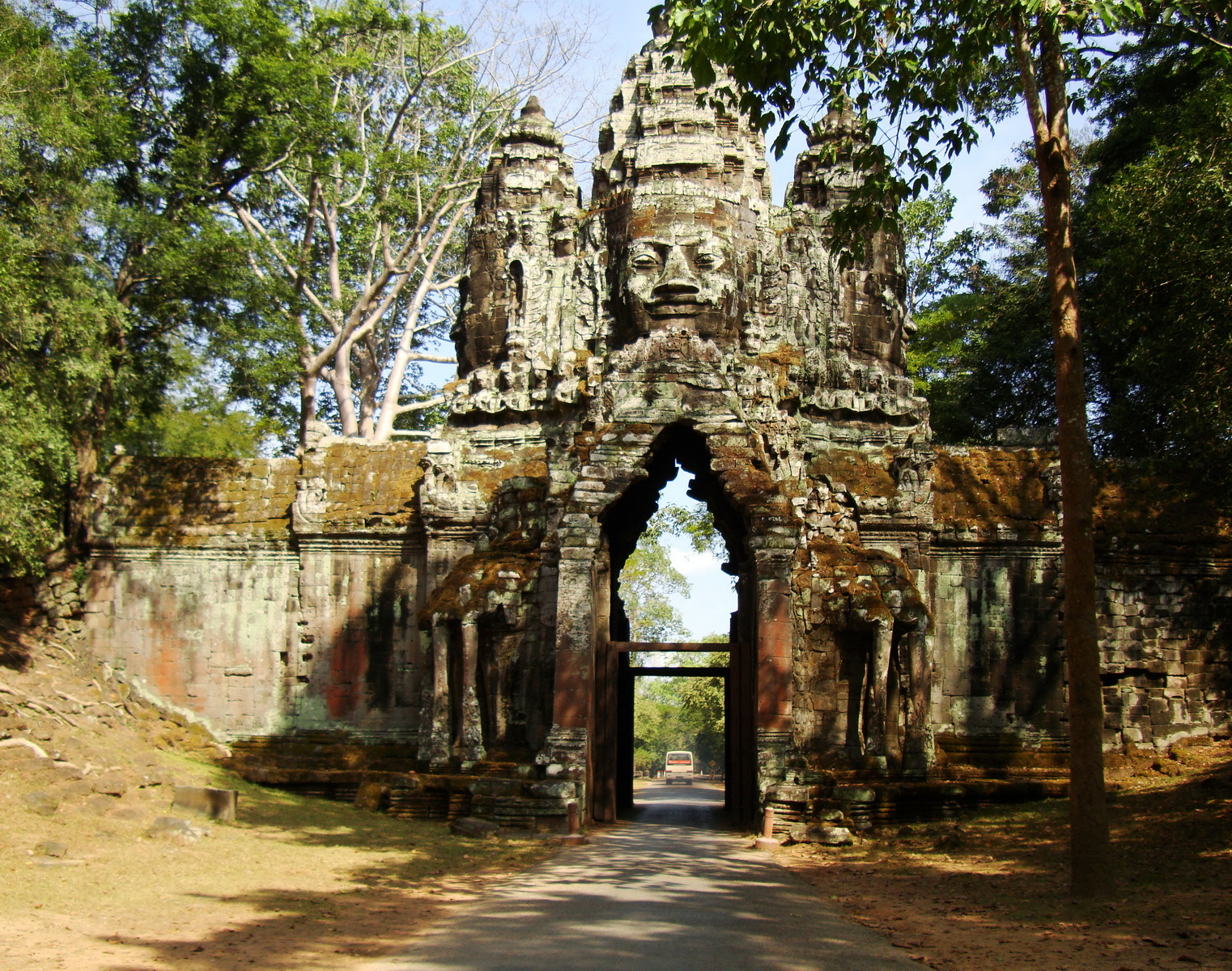 Angkor Wat style architecture North Gate Jan 2010 15