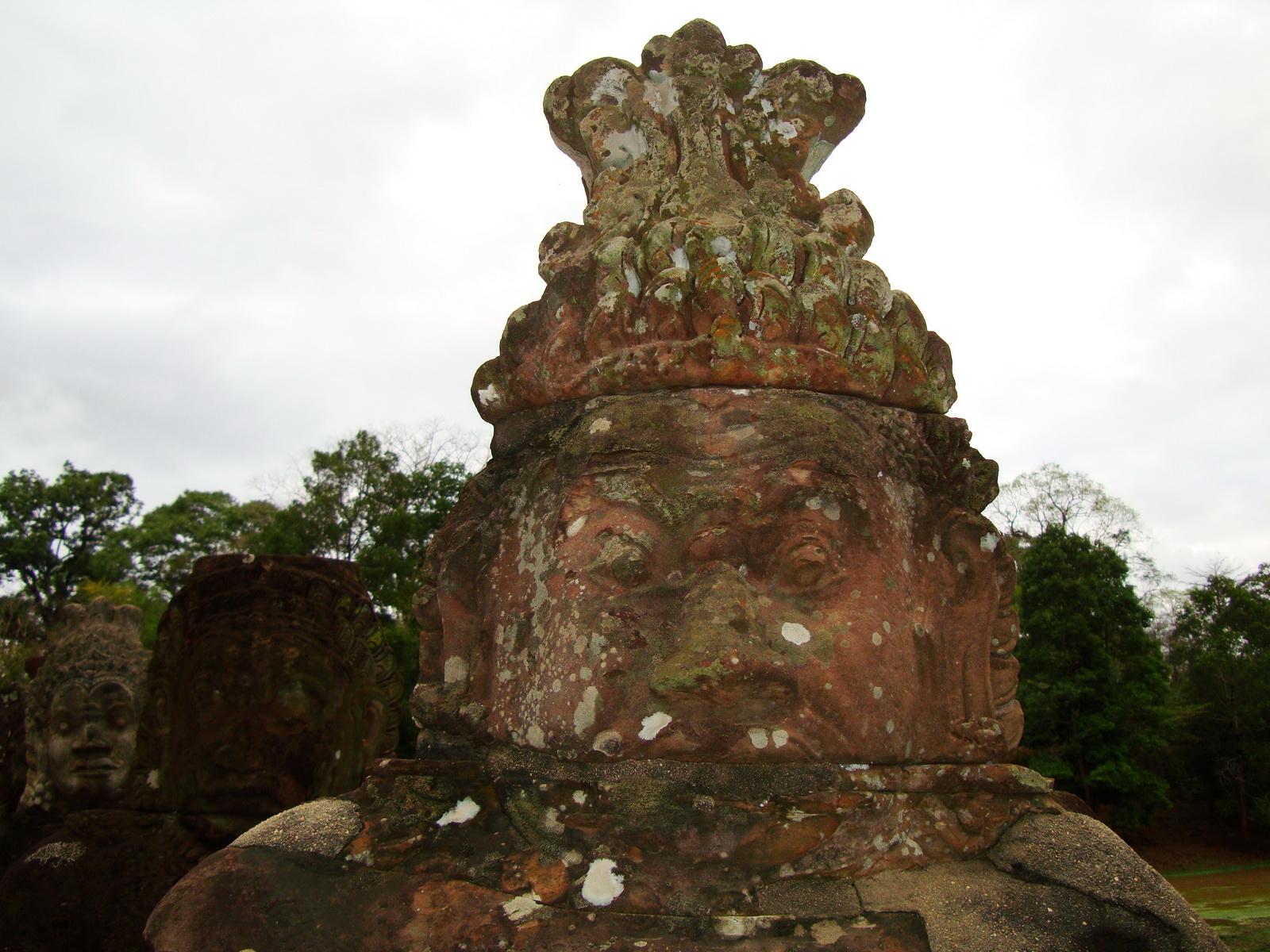 Asuras and Devas Statues on the South Gate bridge Jan 2010 12