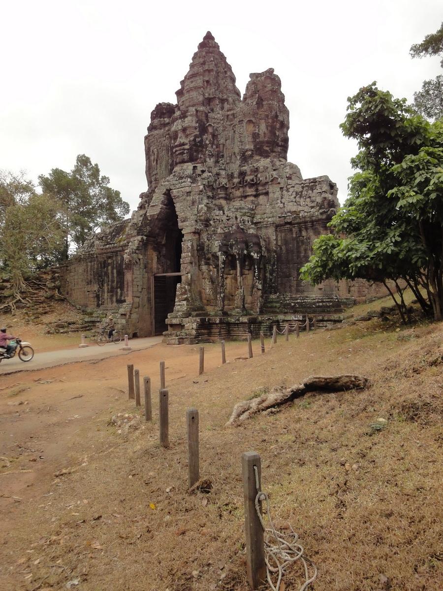 Face tower of the South Gate showing Avalokiteshvara Jan 2010 08