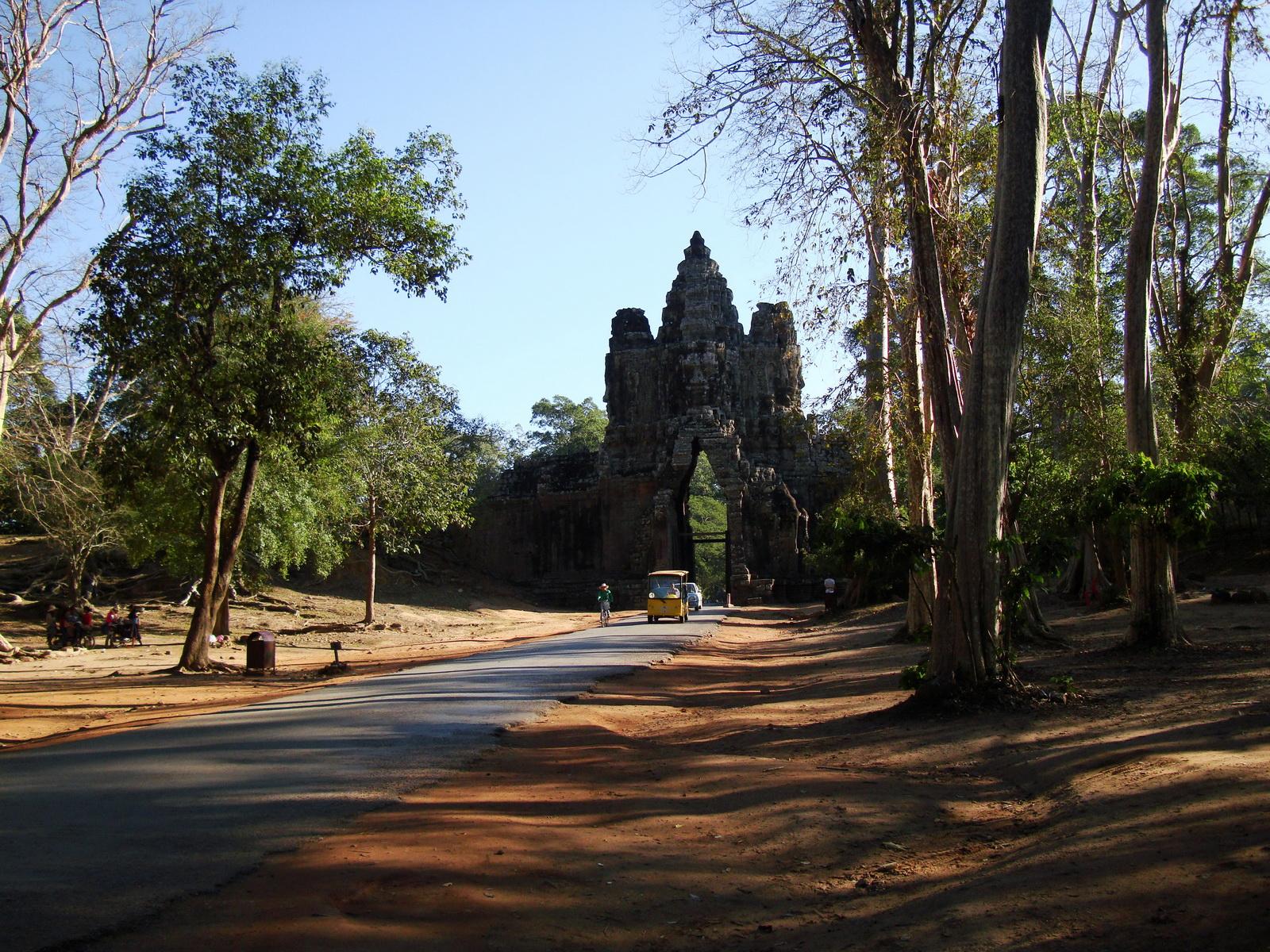 Face tower of the South Gate showing Avalokiteshvara Jan 2010 13