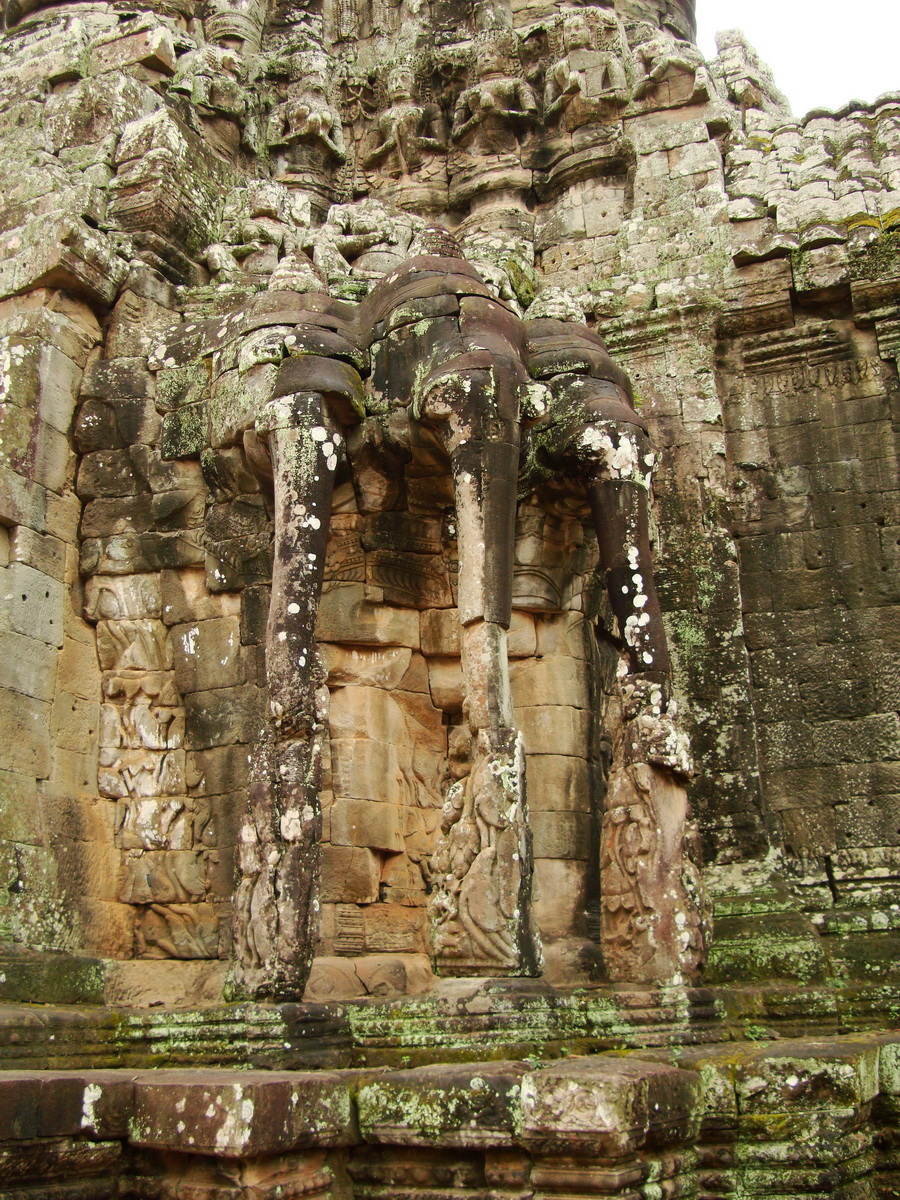 Victory Gate elephants supporting Avalokiteshvara Siem Reap 02